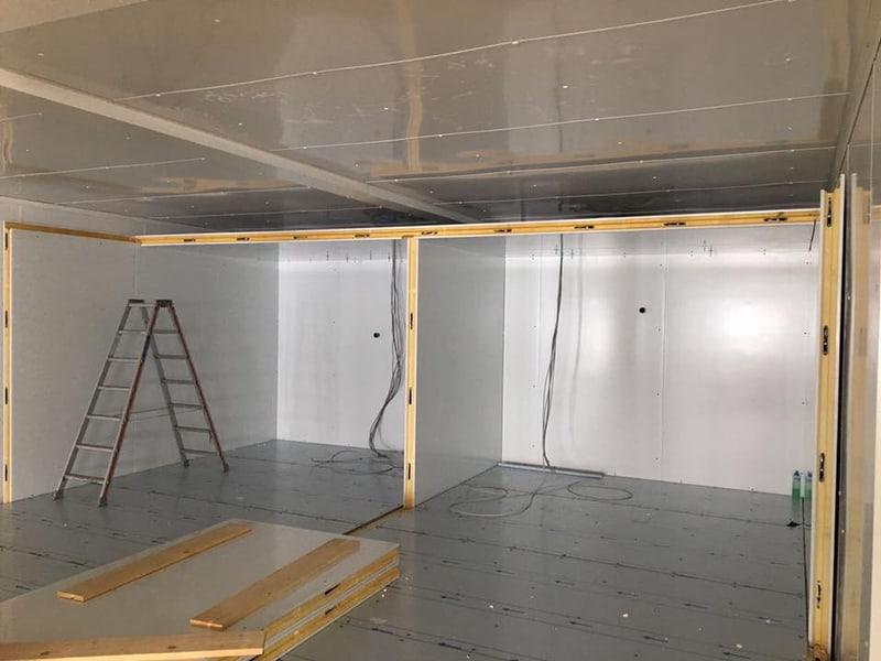 Aufbau von Kühlzellen in Arbeit